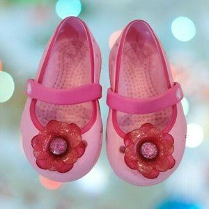 Crocs Girls Toddler Size 5 Pink Mary Jane Shoes